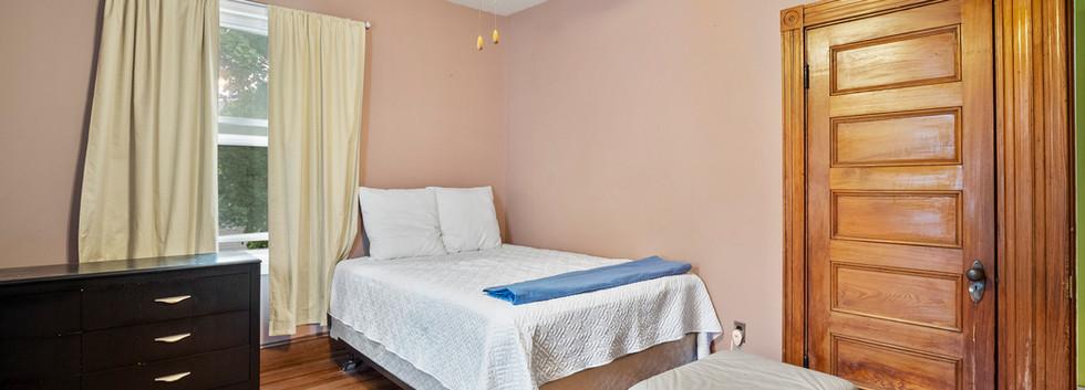 52_Chester_2_Bedroom_2-2_Photo2.jpg