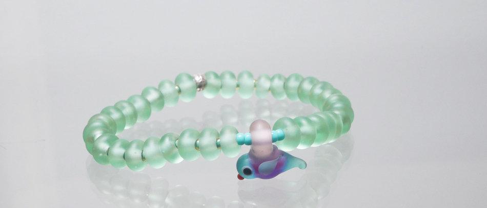 Glasperlen Armband   Glass bead bracelet with bird charm
