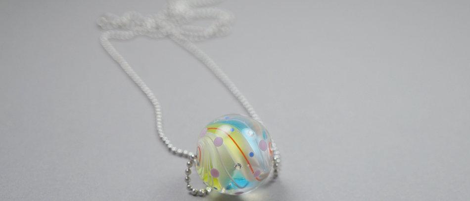 Pastellfarbene Murmel-Perle | Colorful focal bead
