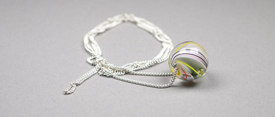 Murmelperle an Silberkette | Bead on a silver chain