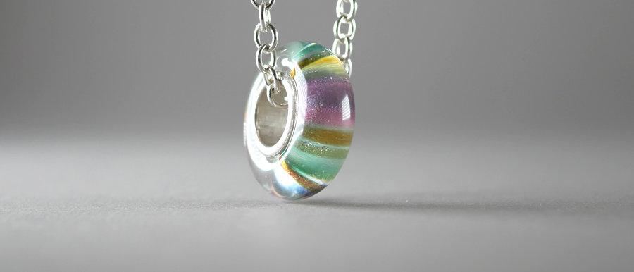 Anhänger mit farbigen Streifen | Big hole glass bead