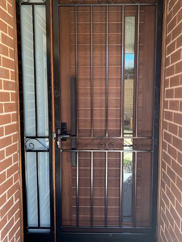 Steel-Door-and-Panel-Kerang-2_edited.jpg
