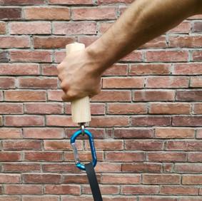 Cilinder grip hand detail.jpg