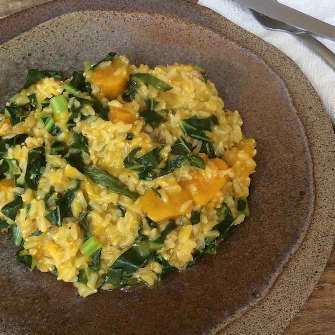 Risoto de arroz integral com abóbora e couve