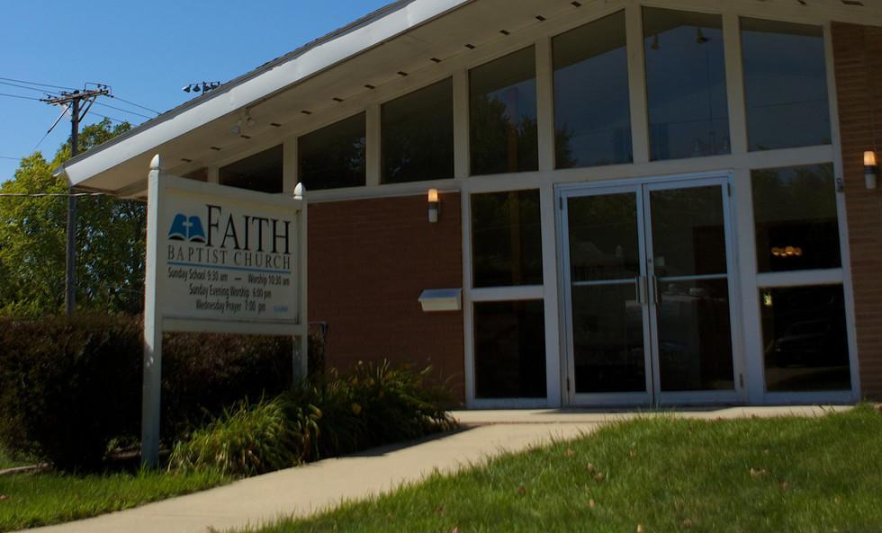 Faith%20Church%20Enterance_edited.jpg