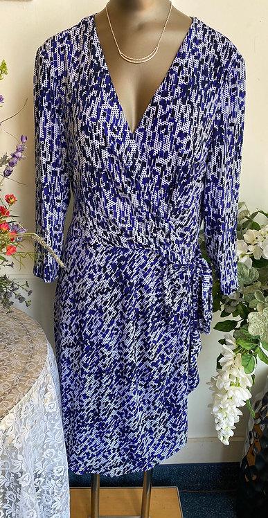 NWT Ivy & Blu Wrap Dress w/ tie - Size 16