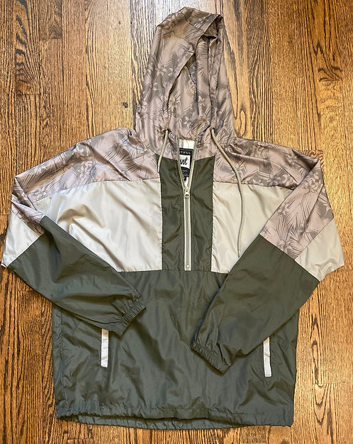 Beautiful Giant Windbreaker w/quarter Zip - Size M