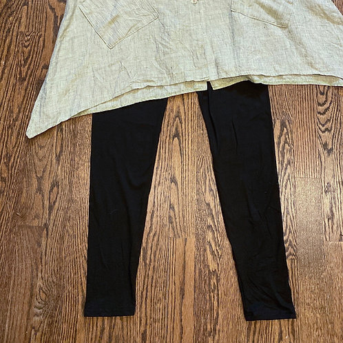 NWT Solid Black Stretch Leggings - Size OS