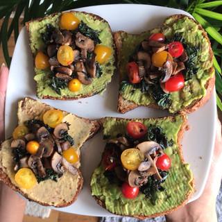 Next level avocado (& hummus) toast!