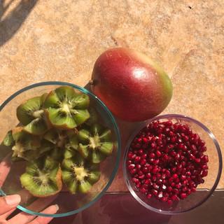 Kiwi, mango & pomegranate!