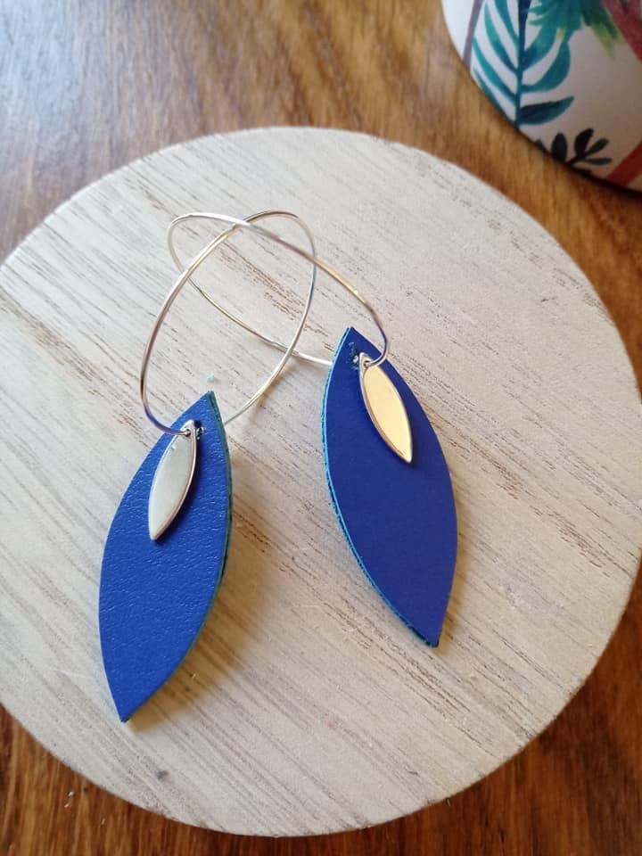 boucles bleu