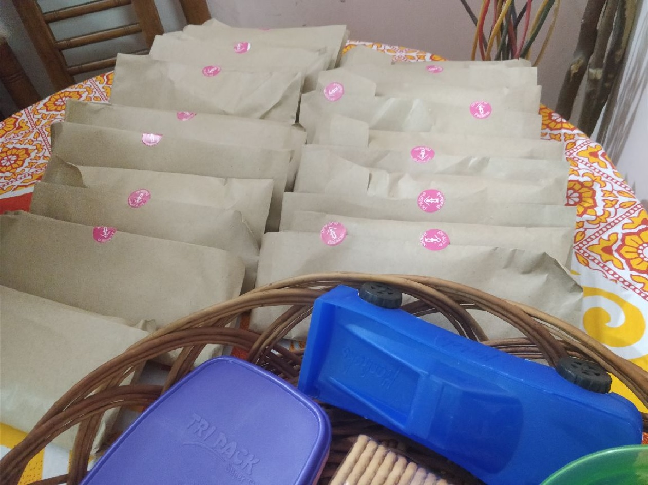 menstrual hygiene workshop nd pad distribution- Ghaziabad (28th Mar) 3
