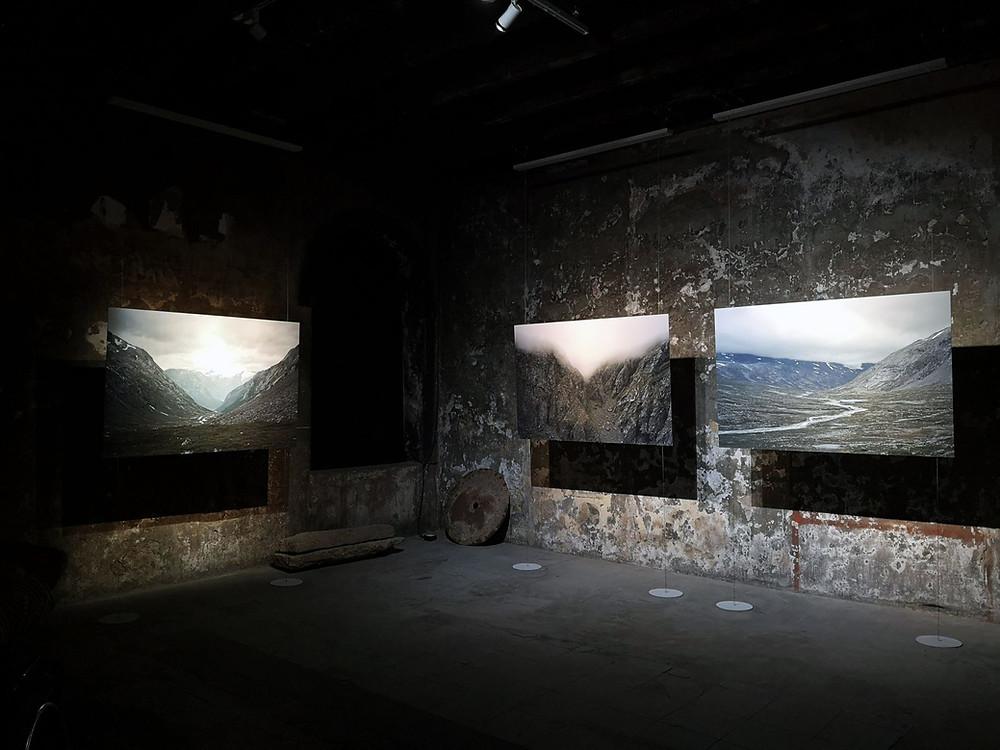 バンコクの旧税関『オールドカスタムハウス』で開催された写真展「Hundred Years Between」