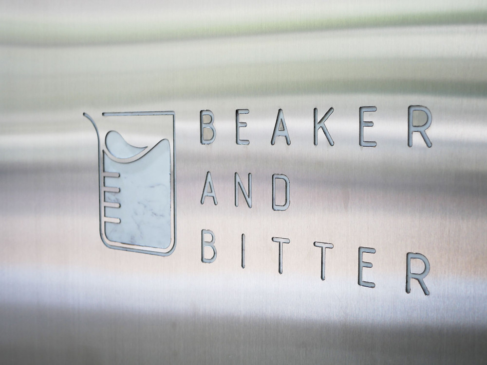【BeaKer And Bitter】バンコク アーリーの元製薬工場がクールなカフェに大変身!