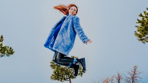 Saltando en la nieve