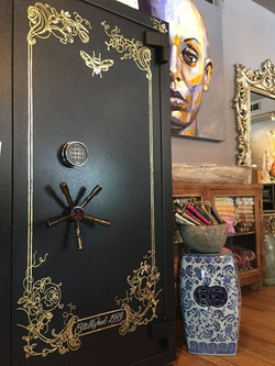 Gilded Retail Jewelry Safe