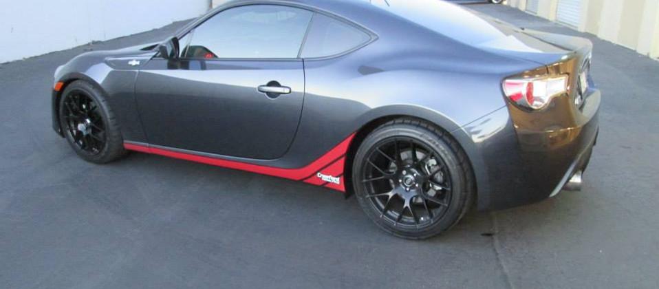 tint sporty car