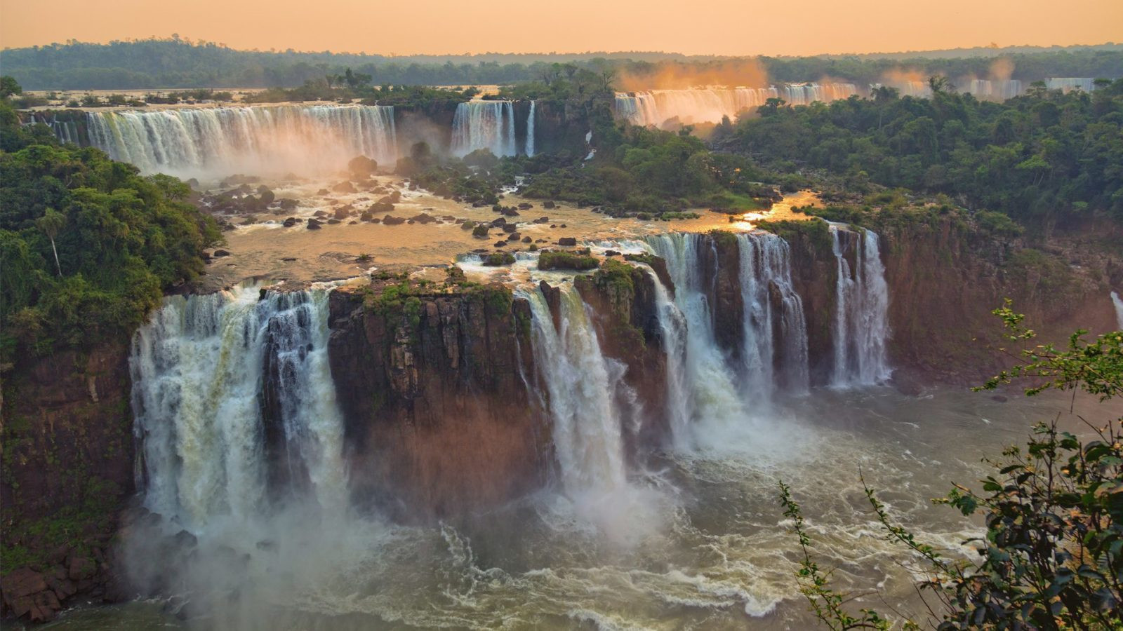iguazu-falls-at-sunset-wild-ibera-and-ig