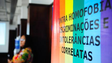 Assembleia de São Paulo barra projeto que proibiria publicidade com LGBTIs