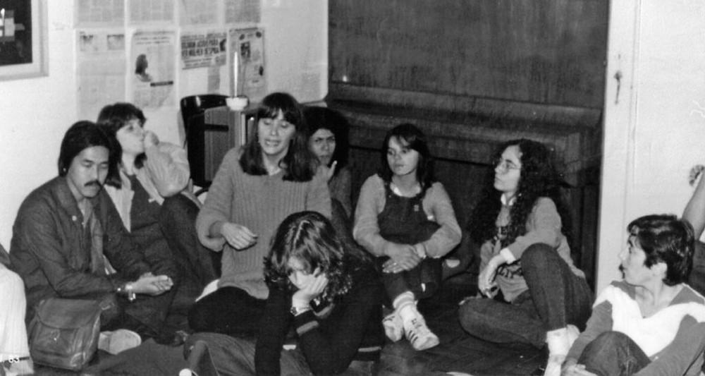 Reunião de ativistas dos grupos Somos, GALF e SOS Mulher, em São Paulo, em 1983. Foto: Rede de Informação/Acervo