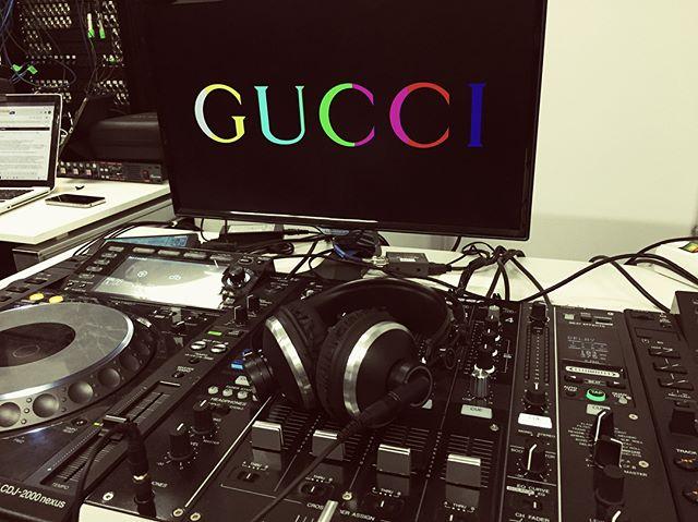 Gucci Hub_Streaming Catwalk Soundtrack 🎶😀🔝_#gucci #milanfashionweek #catwalk #livemix #streaming