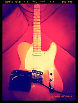 Walking around House playing my orangy Telecaster with small Fender Amp😀Tonight Is like this 🎶🎸