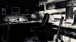 Live late night session 🎶🎸_Music Spaceship pic by NiOki 🔝🌹_#music #studiolive #recordingstudio #
