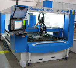Vanad KOMPAKT Laser 1,5 x 3m, materiálový rošt s ručným výsuvom dopredu. Laserová hlava Precitech Li