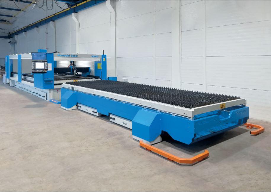 Vanad KOMPAKT Laser 1,5 x 6m, 2 x automatický, hydraulicky výsuvný rošt s výsuvom dopredu doplnený o