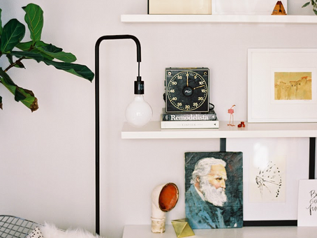 How To  decorate a quirky space with art