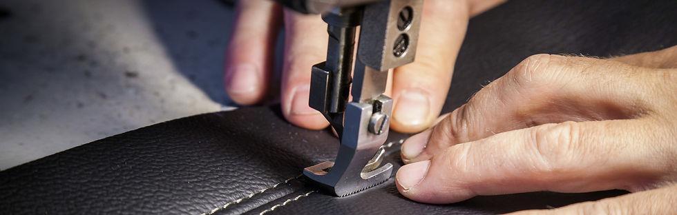 Couture de sellier auto sur cuir