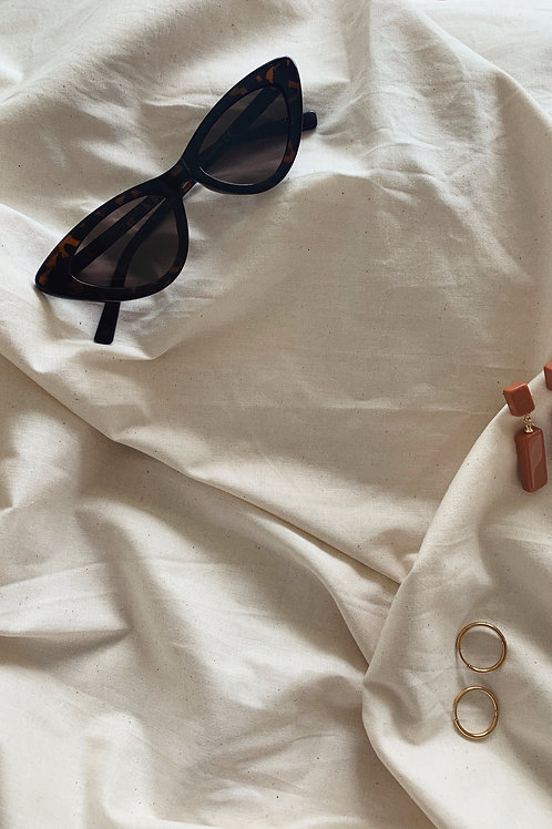 Retro Pointy Women Cat Eye Sunglasses In Brown