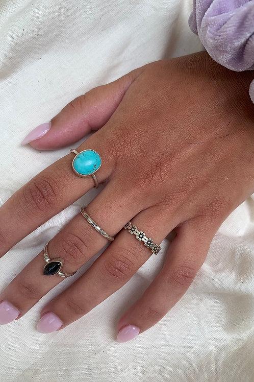[COPY] Minimal Silver Ring