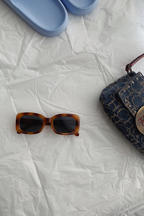 Rectangle Sunglasses In Brown Tortoise
