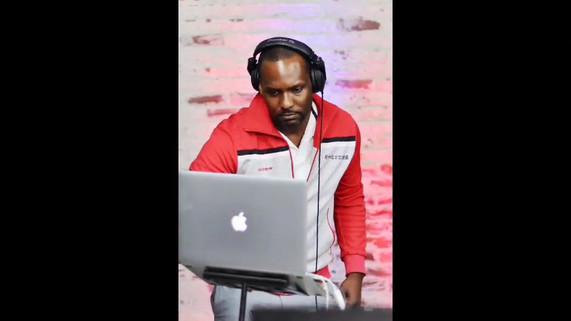 Shake and Smoz DJ video