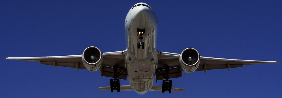 Boeing 777 on approach