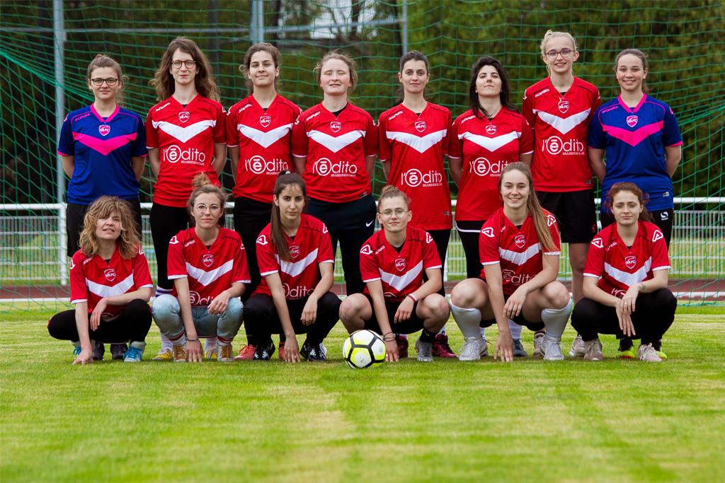CES FILLES-LÀ avec 10 footballeuses