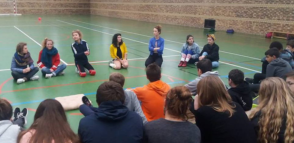 CES FILLES-LÀ en intervention en milieu scolaire