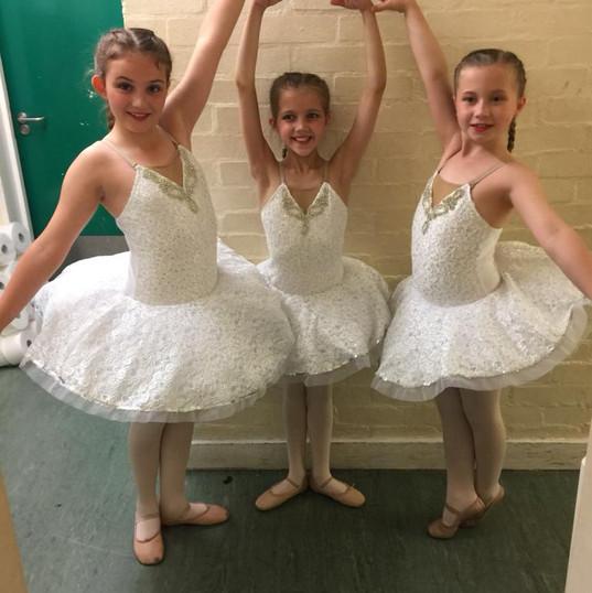 Ballerinas.jpeg