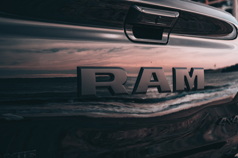NOUVEAU DODGE RAM 1500 LARAMIE SPORT NIGHT ÉDITION 2021