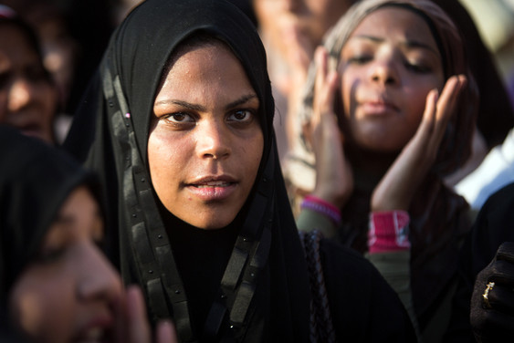 Femmes manifestant - Place TAHRIR