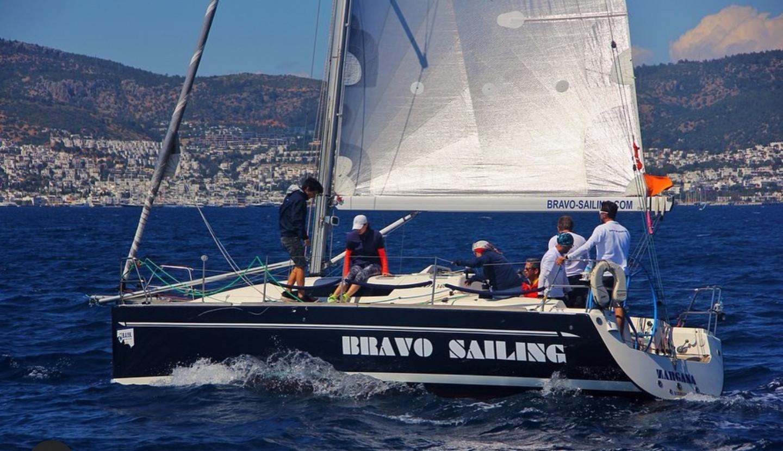 Bravo Sailing Team - 1