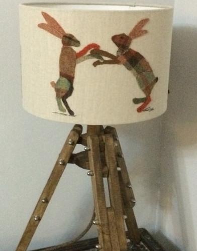 Hare tripod pallet lamp