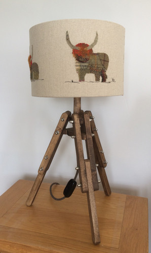 Highland cow table lamp