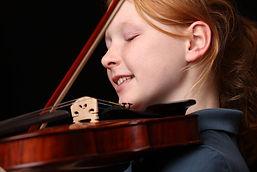 smiling violin girl.jpg