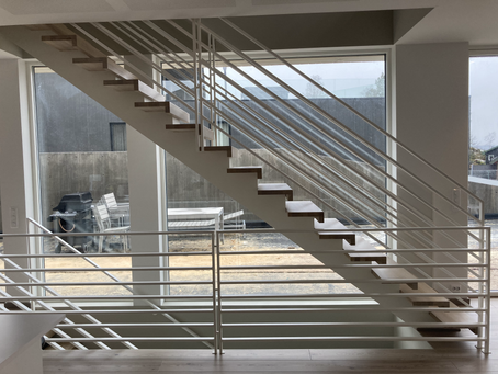 What are the main staircase regulations in Norway?