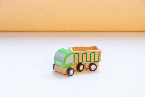 Camionete de Madeira Verde