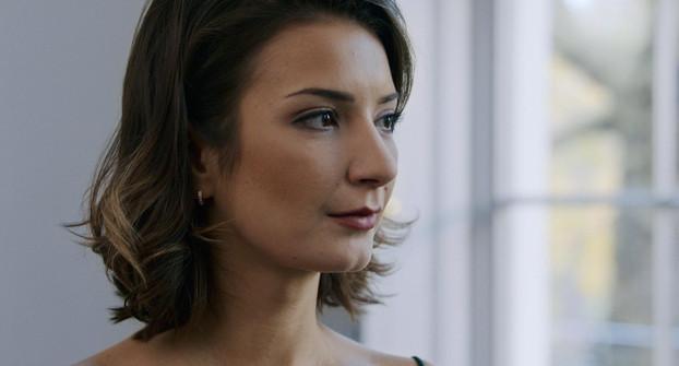 Borislava Stratieva plays Yelena Bogatova