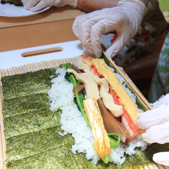 巻き寿司を作りました