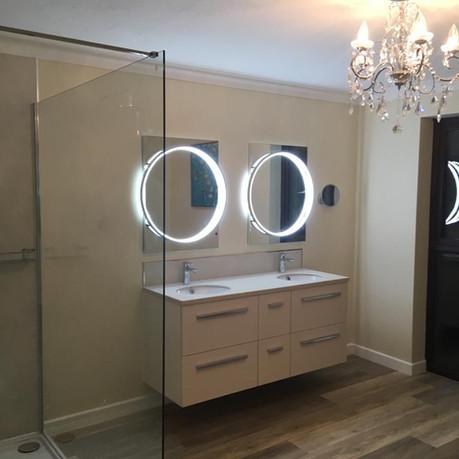 madeleine bathroom.jpg
